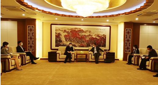 潘朝金总裁与中轻公司苏自立总经理会前交流